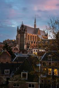 Stad - Hooglandse Kerk 2, Leiden