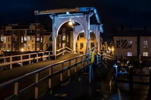 Stad - Rembrandbrug, Leiden