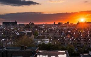 Stad - Zonsondergang over Leiden